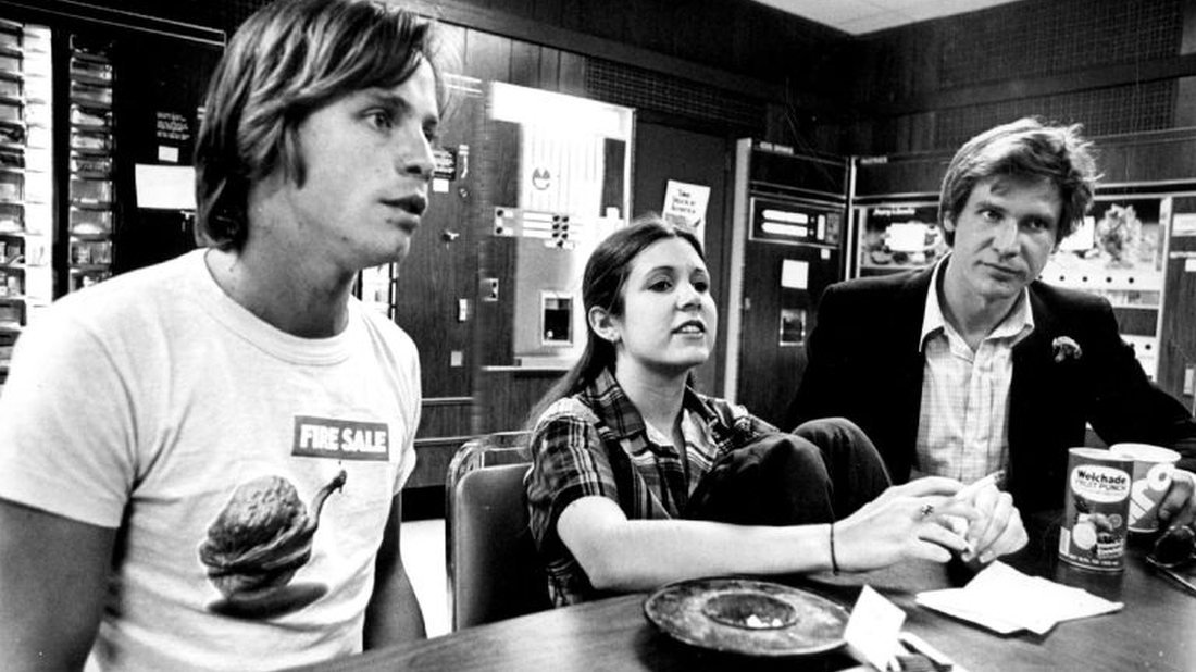 See Vintage Interviews With Carrie Fisher Mark Hamill And Harrison Ford For Star Wars In 1977 Flixist